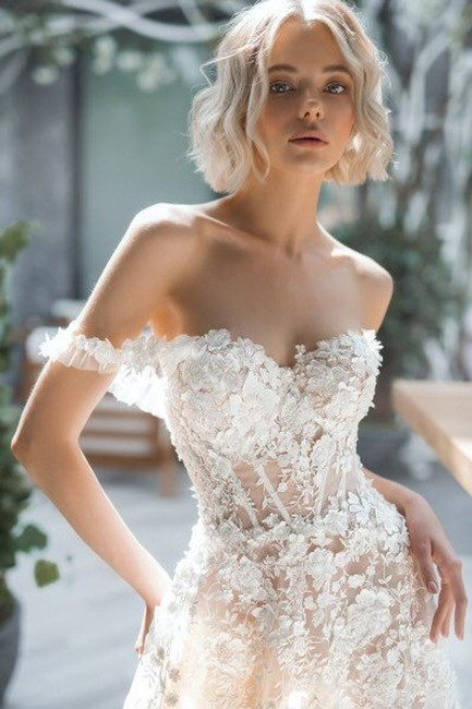 Item - Ivory 3d Lace Tulle Boho with Drop Shoulder Sleeves Embroidered Train and Transparent Corset Sexy Wedding Dress Size 8 (M)