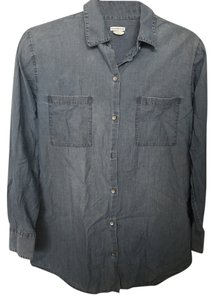 Club Monaco Denim Jean Classic Button Down Shirt Chambray