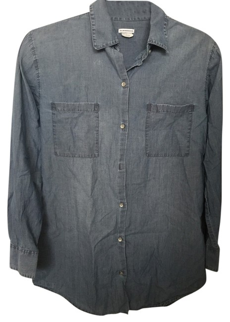 Preload https://item2.tradesy.com/images/club-monaco-chambray-button-down-top-size-2-xs-2935531-0-0.jpg?width=400&height=650