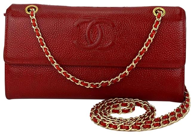 Item - Wallet on Chain Classic In Caviar B369 Red Leather Cross Body Bag