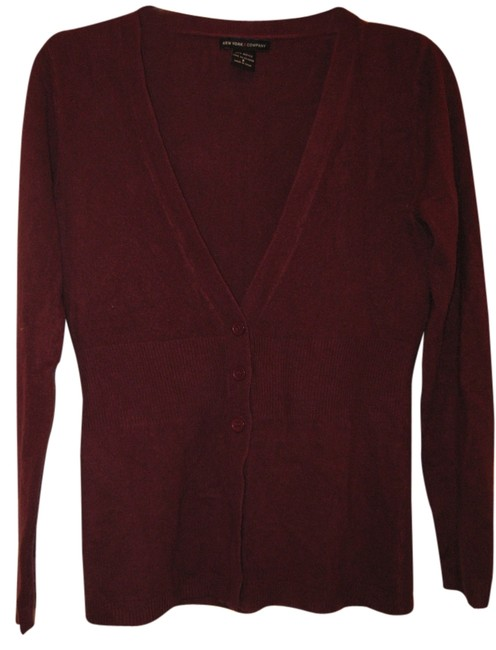 Preload https://item3.tradesy.com/images/new-york-and-company-maroon-cardigan-size-2-xs-2935672-0-0.jpg?width=400&height=650