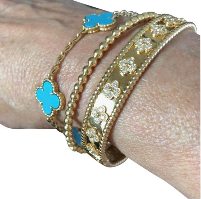 Item - Yellow Gold 18k Bangle with Four-leaf Crystal Clovers Bracelet