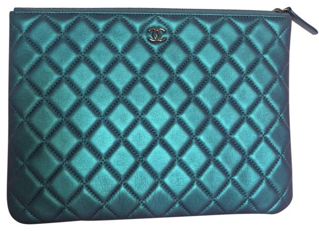 Item - Cosmetic Case Quilted Medium Iridescent Green/Purple Lambskin Leather Clutch