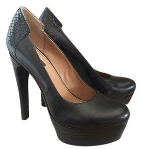 Rachel Zoe Snakeskin black Pumps