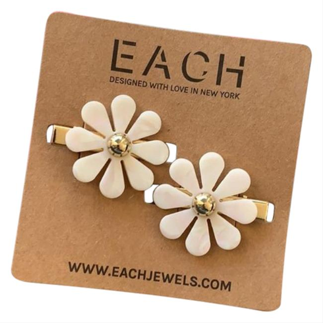 Item - White Gold Floral Barettes Clips New Hair Accessory