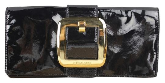 Preload https://item2.tradesy.com/images/michael-kors-sutton-buckle-mklm6-black-patent-leather-clutch-2936776-0-3.jpg?width=440&height=440