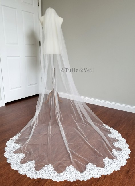 Item - Ivory Long With Lace Cathedral Length Bridal Veil