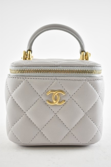 Chanel Case Crossbody 21a Mini Vanity with Chain Top Handle Cc Grey Lambskin Leather Shoulder Bag Chanel Case Crossbody 21a Mini Vanity with Chain Top Handle Cc Grey Lambskin Leather Shoulder Bag Image 4