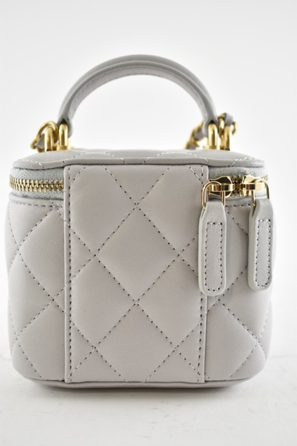 Chanel Case Crossbody 21a Mini Vanity with Chain Top Handle Cc Grey Lambskin Leather Shoulder Bag Chanel Case Crossbody 21a Mini Vanity with Chain Top Handle Cc Grey Lambskin Leather Shoulder Bag Image 8
