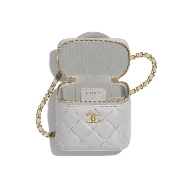Chanel Case Crossbody 21a Mini Vanity with Chain Top Handle Cc Grey Lambskin Leather Shoulder Bag Chanel Case Crossbody 21a Mini Vanity with Chain Top Handle Cc Grey Lambskin Leather Shoulder Bag Image 10