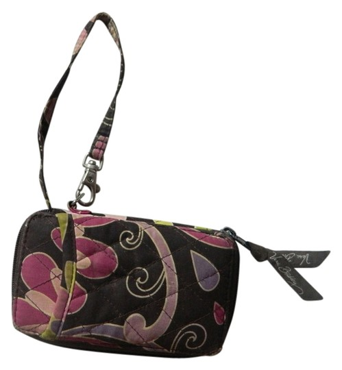 Preload https://img-static.tradesy.com/item/2937874/vera-bradley-wallet-cute-zippers-summer-spring-colorful-fun-cheap-accessories-wristlet-0-0-540-540.jpg