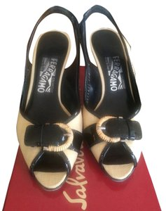 Salvatore Ferragamo Black Tan Pumps