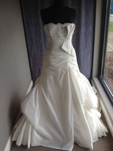 Maggie Sottero Riviera Modern Wedding Dress Size 10 (M)