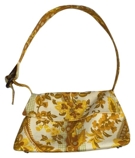 Preload https://img-static.tradesy.com/item/2939647/handmade-yellow-cotton-floral-shoulder-bag-0-1-540-540.jpg
