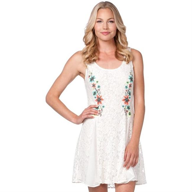 Item - White W Lace Fit and Flare W/ Floral Detail Short Casual Dress Size 4 (S)
