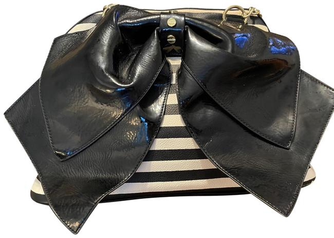 Item - Striped with Patent Bow Black White Pu Shoulder Bag