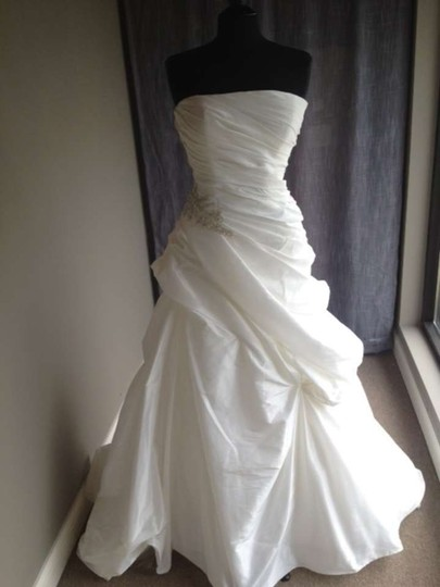 Casablanca 2050 Modern Wedding Dress Size 14 (L)