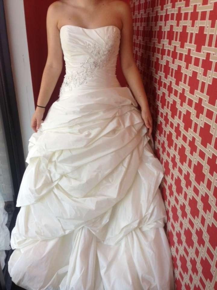 571a4714d0f Maggie Sottero Ivory Taffeta Annalise Feminine Wedding Dress Size 16 ...