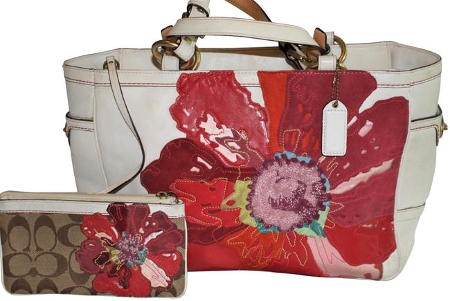 Item - Poppy Limited Edition Cream / White Red Applique Leather Shoulder Bag