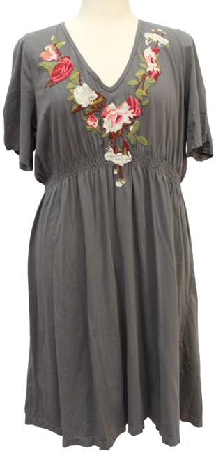 Item - Gray Embroidered Mid-length Cocktail Dress Size 22 (Plus 2x)