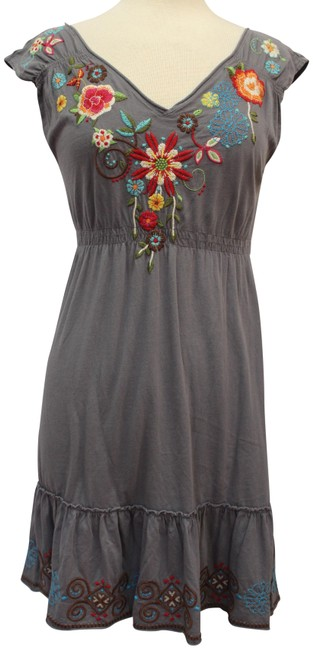 Item - Gray Embroidered Cap Sleeve V-neck Short Casual Dress Size 8 (M)