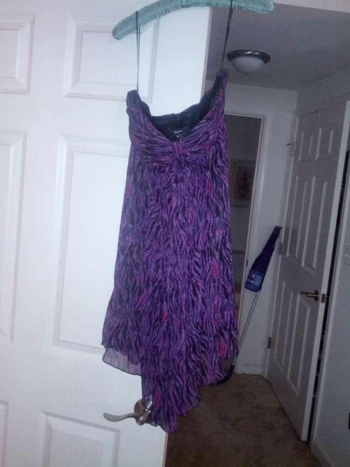 Express Purple and Black Above Knee Cocktail Dress Size 12 (L) - Tradesy