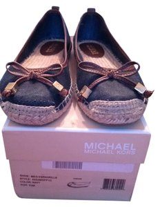 Michael Kors navy blue Flats