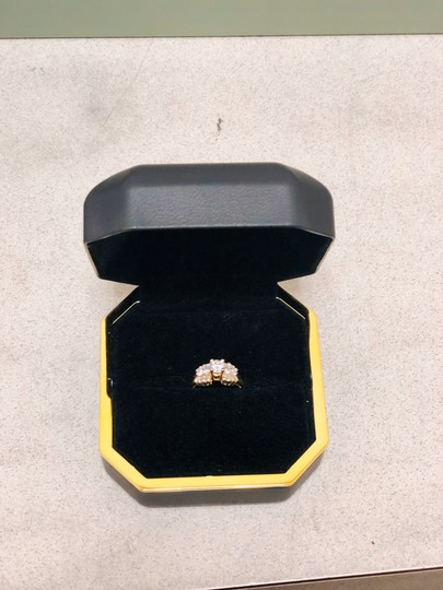 Yellow Gold Round and Baguette Diamond In 14k 1.30 Tcw Engagement Ring Image 2
