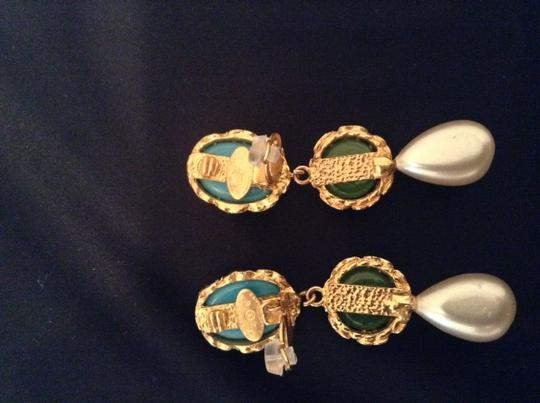 Chanel CHANEL RARE VINTAGE SEASON 28 GRIPOIX GOLD PLATED CC CLIP EARRINGS Image 4