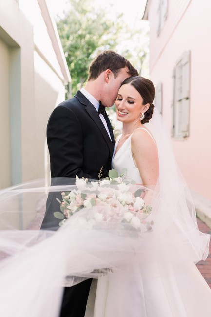 Item - White Long Cathedral 10 Ft Bridal Veil