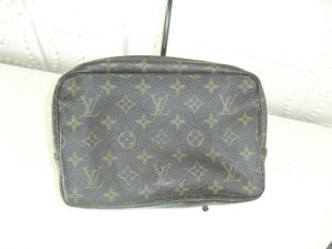 Louis Vuitton Louis Vuitton cosmetic case monogram