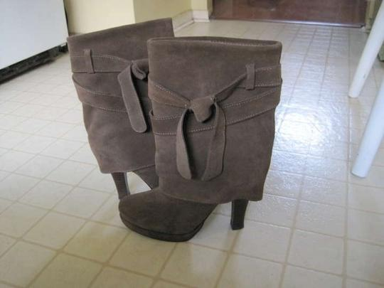 Restricted chocolate brown Boots
