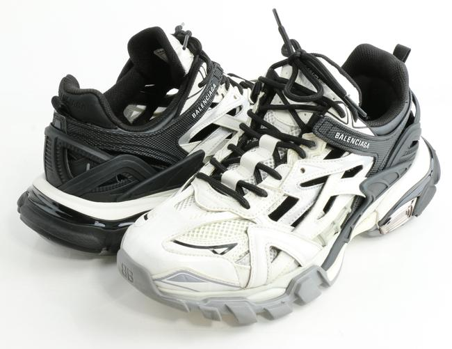 Item - White/Black Track.2 Open Sneakers Shoes