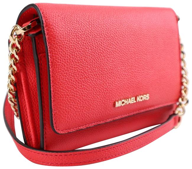 Item - Jet Set Travel with Chain Red Leather Cross Body Bag