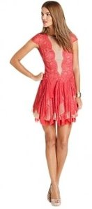 BCBGMAXAZRIA Rochelle Cap Sleeve Lace Ruffle Dress