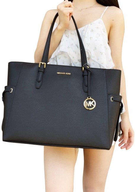 Item - Gilly Large Jet Set Drawstring Top Zip Black Saffiano Leather Tote