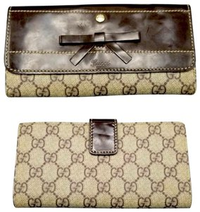 Gucci Bow Front Coated Canvas Wallet