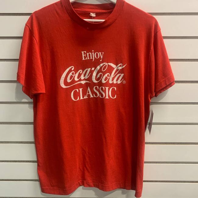 Item - Red Vintage Classic Tee Shirt Size 14 (L)