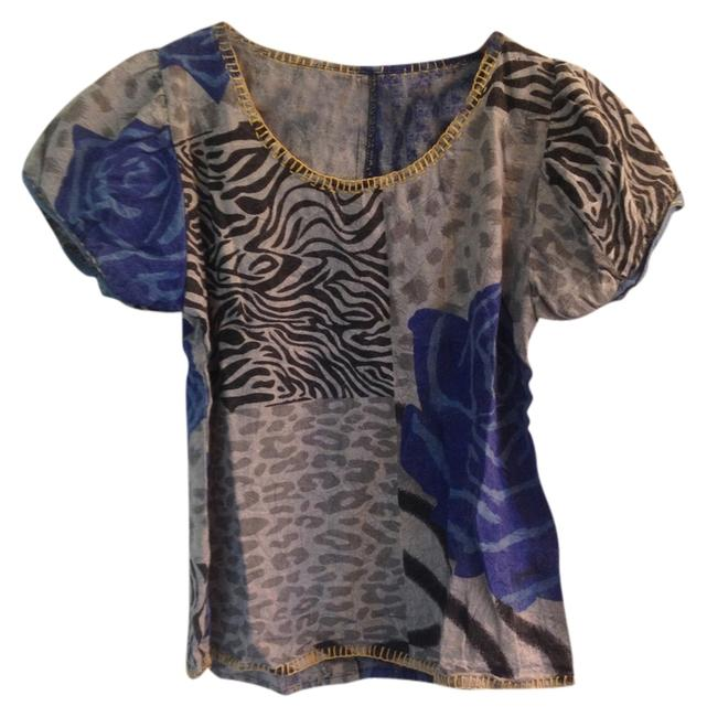 Preload https://item1.tradesy.com/images/blue-grey-floral-cropped-animal-print-wood-buttons-boho-blouse-size-2-xs-2946520-0-0.jpg?width=400&height=650