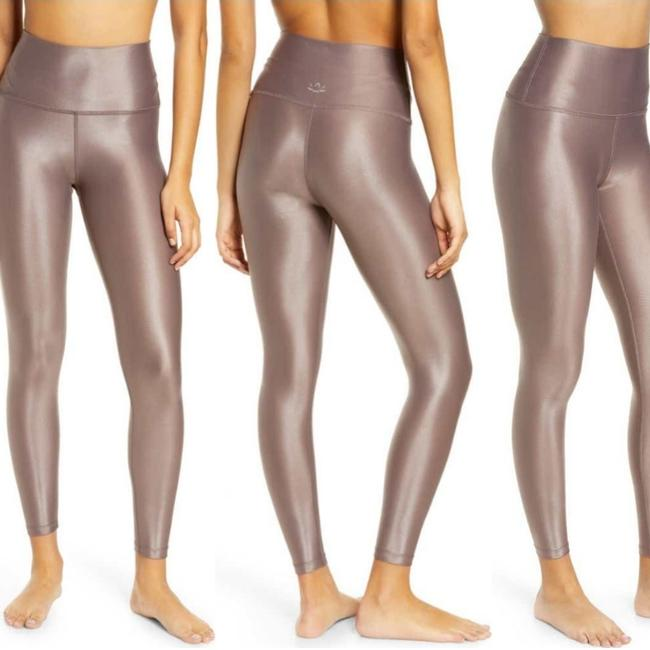 Item - Brown Cocoa Sportgloss Smooth Operator High Wasted Midi Leggings Size 8 (M, 29, 30)