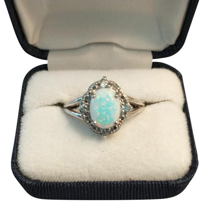 Item - White Blue Pink Green Colors In Opal Ring