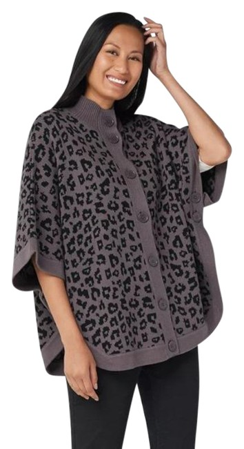 Item - Women's Animal Jacquard Button-front Poncho Sweater