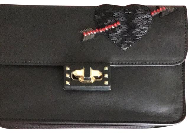 Item - With Sequins Heart and Bow Black Leather Clutch