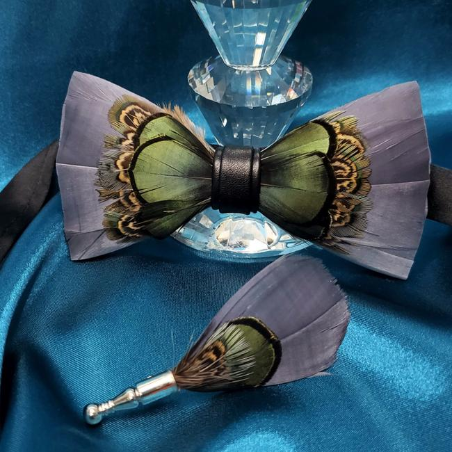 Item - Purple Grey 2pcs Feather and Lapel Pin Set Gift Prom Tie/Bowtie