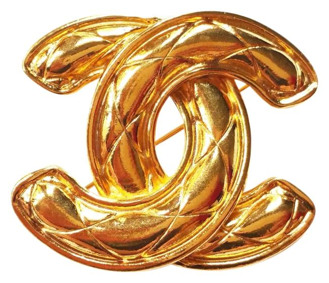Chanel Vintage Cc Gold Quilted Large Pin/Brooch Chanel Vintage Cc Gold Quilted Large Pin/Brooch Image 1