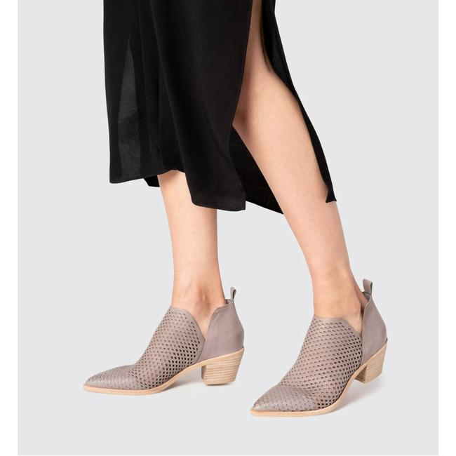 Item - Gray Sher Perforated Boots/Booties Size US 10 Regular (M, B)