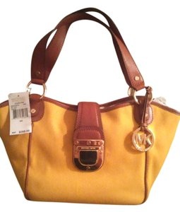 Michael Kors Tote in yellow