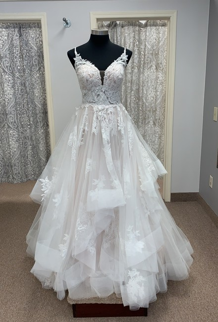 Item - Ivory/Moscato Tulle and Lace D2893 Modern Wedding Dress Size 16 (XL, Plus 0x)