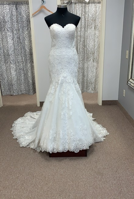 Item - Ivory Lace D2556 Traditional Wedding Dress Size 14 (L)