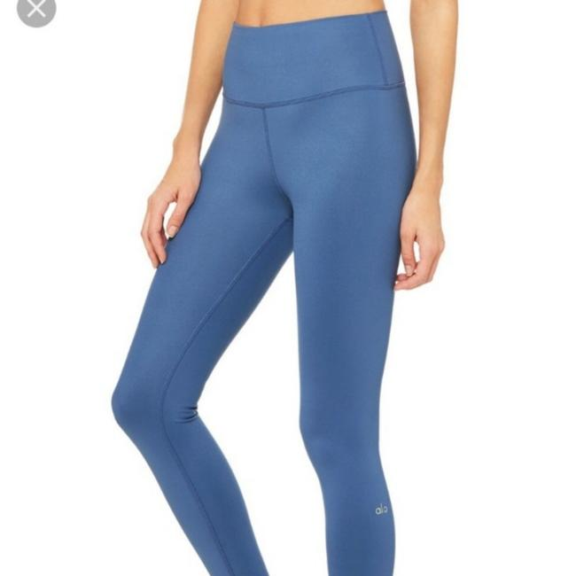 Item - Blue Airbrush Full Length Activewear Bottoms Size 4 (S, 27)